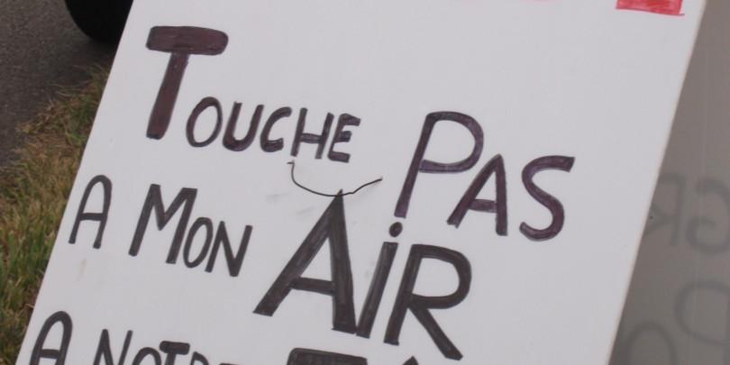 Pancarte placée au Comice agricole de Gacé, le 1er septembre
